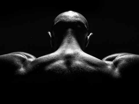 筋トレの勧め!筋肉の鎧を纏うことで得られる3つの効果とは
