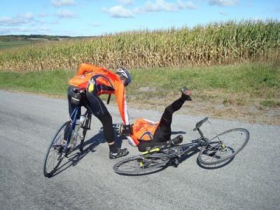 グレーチングは自転車の敵!超滑る道路の金属網で転倒しない方法