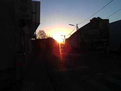朝練かお布団か?ロードバイクの早起きライドは葛藤が激しい件