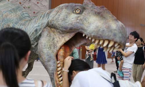 突然のDINO-A-LIVE!ご仏前参りに行ったはずが、恐竜に襲われた件