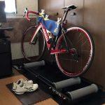 暑い時間帯は引きこもろう!夏のロードバイクは室内で三本ローラーの巻