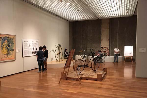 自転車おじさん集合!郡山市立美術館の企画展「自転車の世紀」で辿る200年の歴史